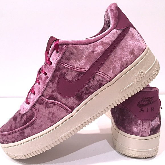 finest selection 6cd98 877f8 Women s Kid s Nike Air Force 1 Low LV8 (GS) Berry